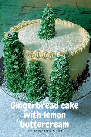 A gingerbread cake with green chrisatmas trees